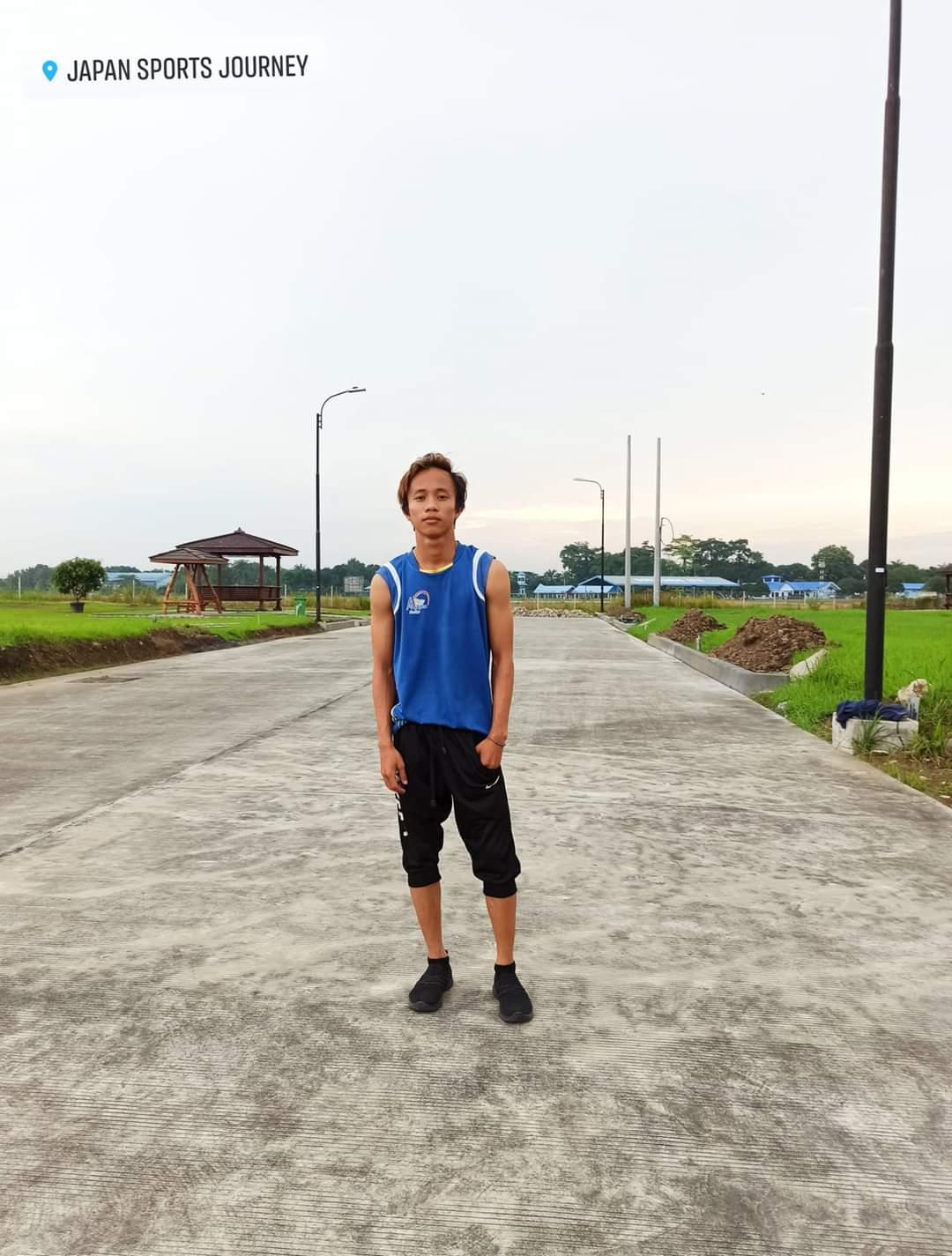 Aulia Fansyuri Hutagalung sebagai atlet senam ritmik